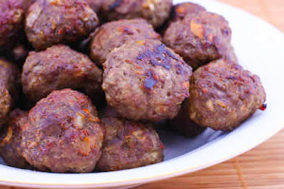 Low-Carb Baked Swedish Meatballs Recipe (Gluten-Free, Can Be Paleo) found on KalynsKitchen.com