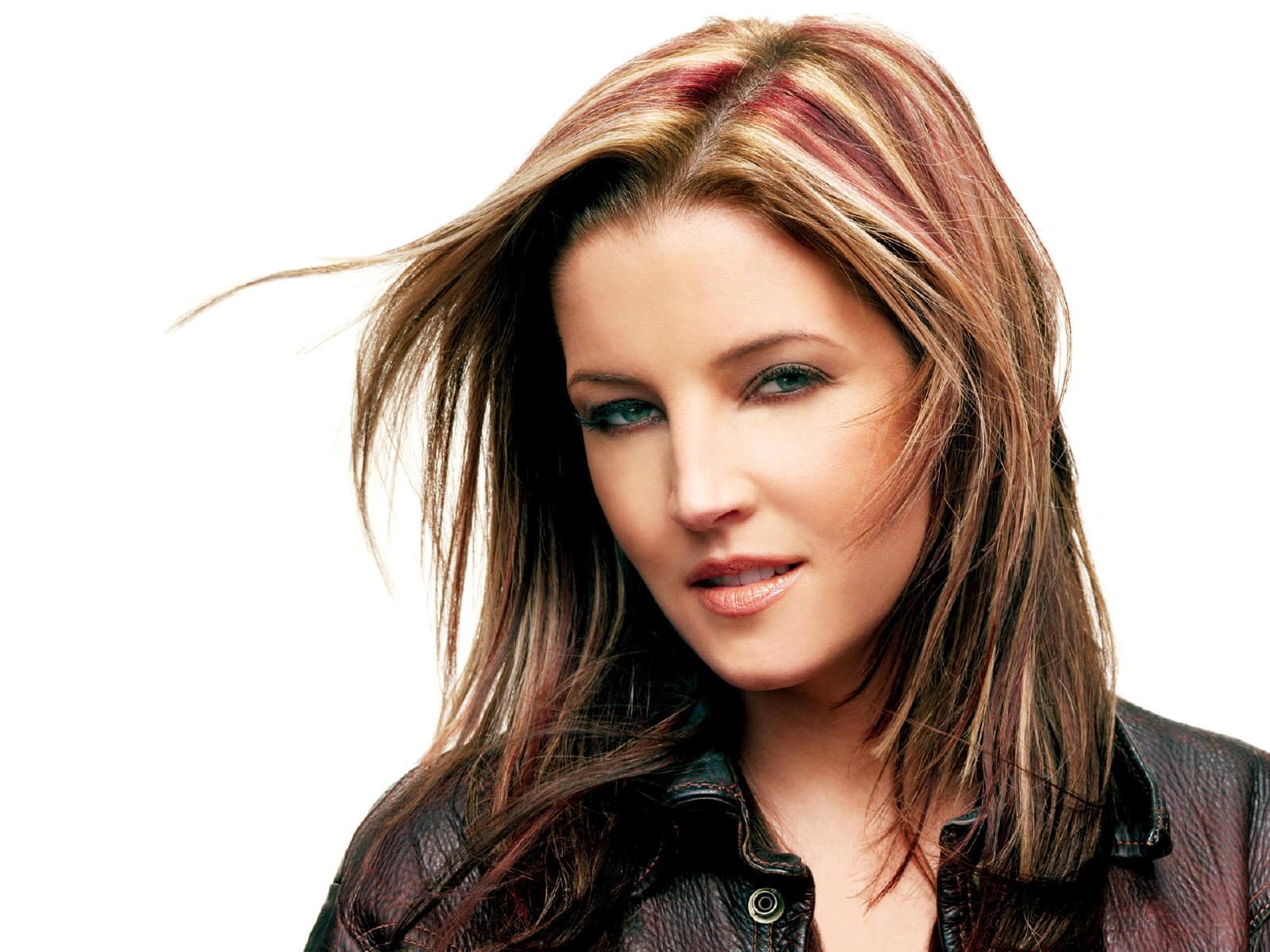 http://1.bp.blogspot.com/-WTcwCRqdy1Q/UX1cCCHEqXI/AAAAAAAA80o/OzARq3FGAP4/s1600/Lisa-Marie-Presley-hair.jpg