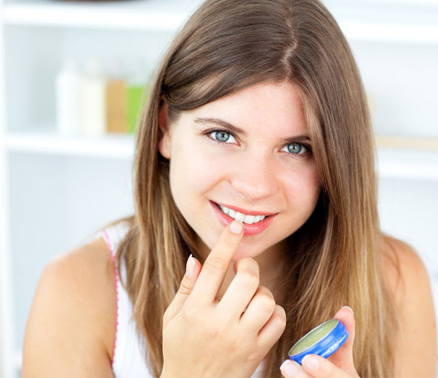 why you should have petroleum jelly your makeup kit
