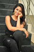 Kruthika Jayakumar gorgeous photo2-thumbnail-4