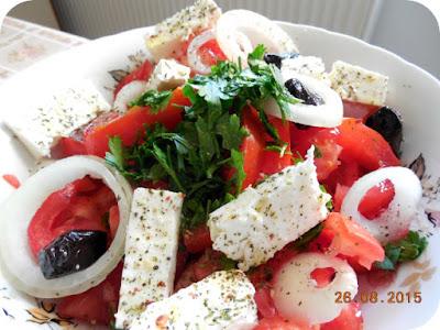 salata de rosii greco-romana