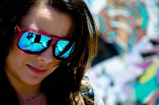 Tudo sobre moda feminina   óculos Absurda 5af84e65de