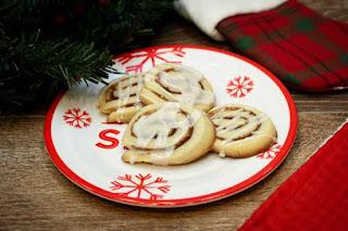 cinnamon-roll-cookies