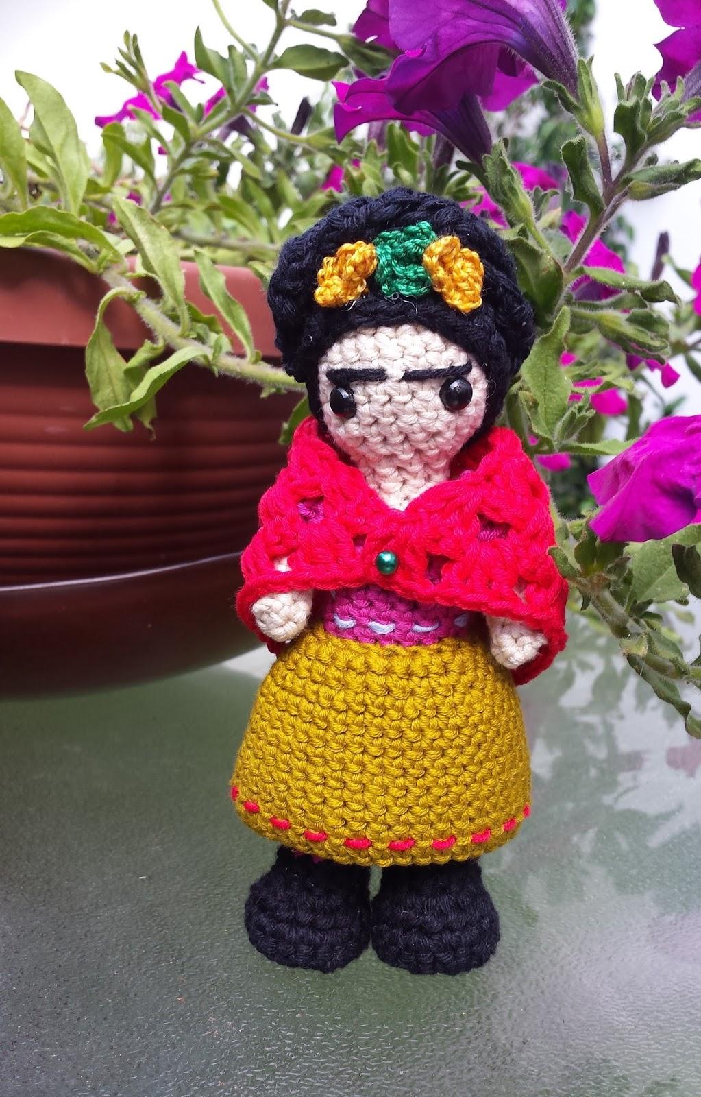 Tejiendo con Max: Frida Kahlo a crochet