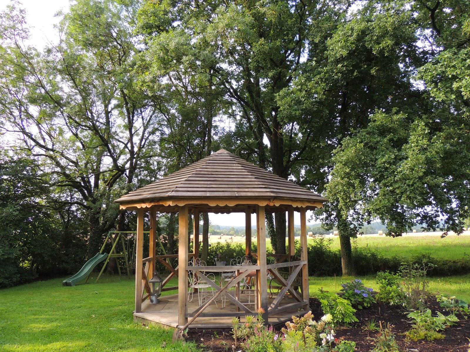 Fabriquer Son Kiosque De Jardin ~ Idées de Design Maison et Idées de ...