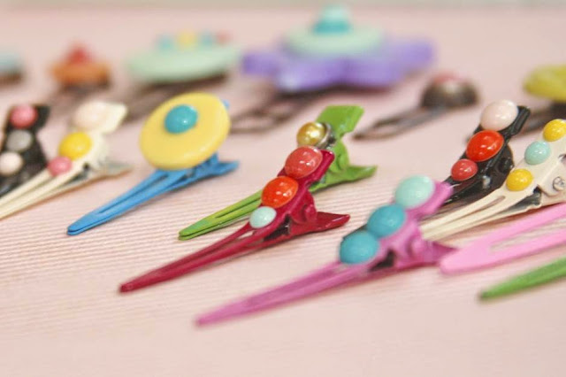 iloveitallwithmonikawright.com | enamel dot hair clip craft project