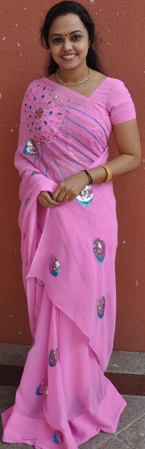 lavanya in saree actress pics