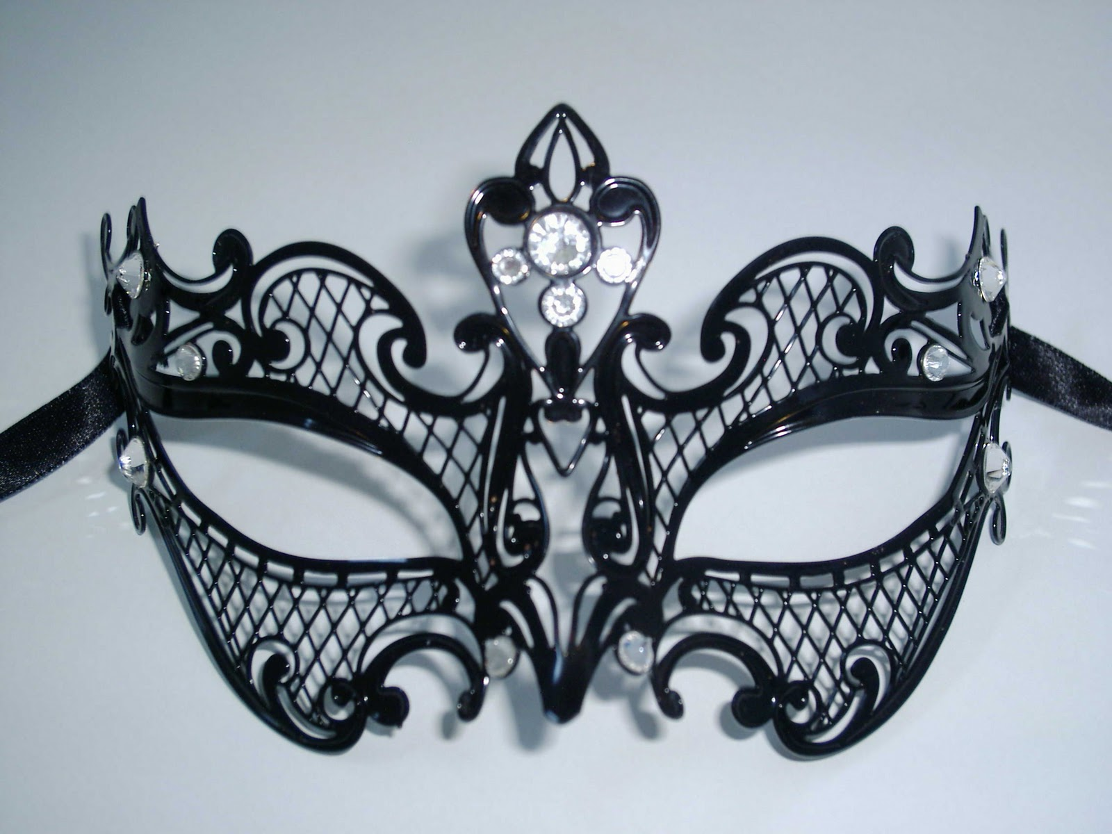how to make venetian masks for masquerade ball parties