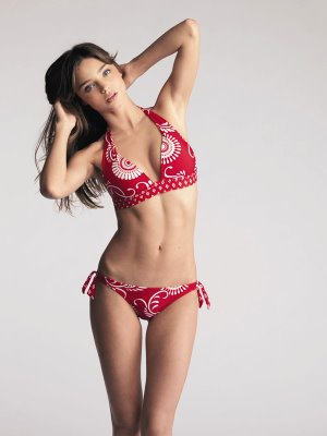 Victoria's secret models showing their beauty in lingeries