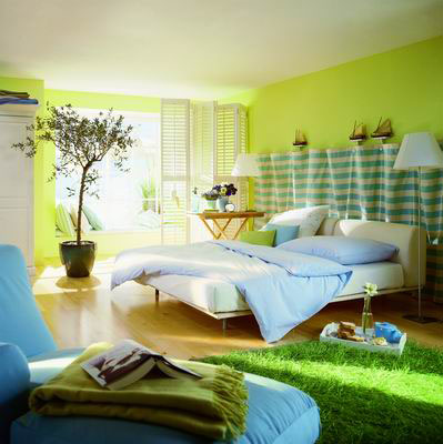 Interior Bedroom Ideas on Interior Design Bedroom With Green Grass Garden
