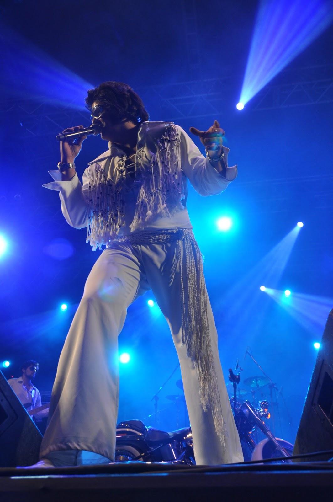 679193f60c175 Liderada pelo multiartista Bonfim Netto, a Elvis Band Brasil será um dos  destaques da IX Brasília MotoCapital, que acontece de 24 a 28 de julho na  Granja do ...