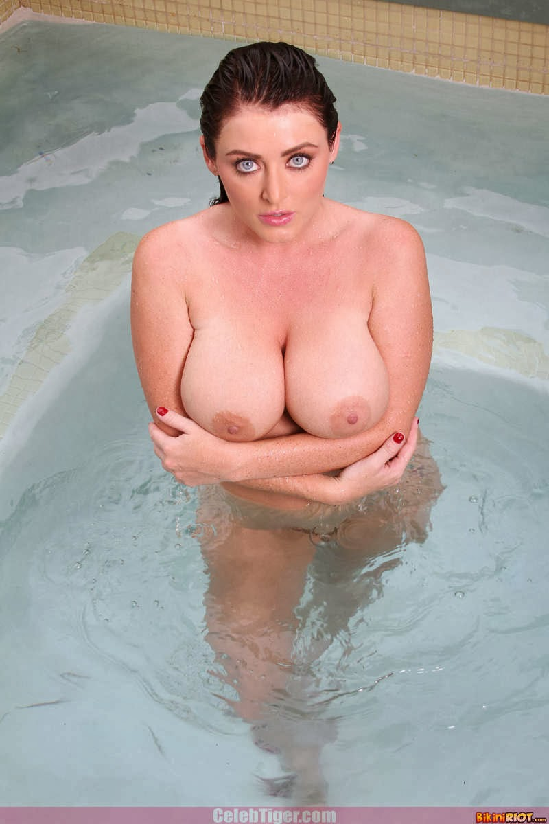 Busty+Babe+Sophie+Dee+Wet+In+Pool+Taking+Off+Her+Blue+Bikini+Posing+Naked www.CelebTiger.com 91 Busty Babe Sophie Dee Wet In Pool Taking Off Her Blue Bikini Posing Naked HQ Photos