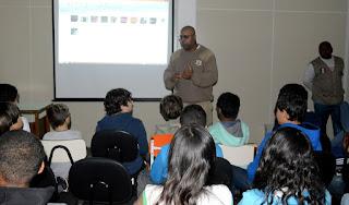 Guarda Municipal Santana em palestra para alunos do Sakurá
