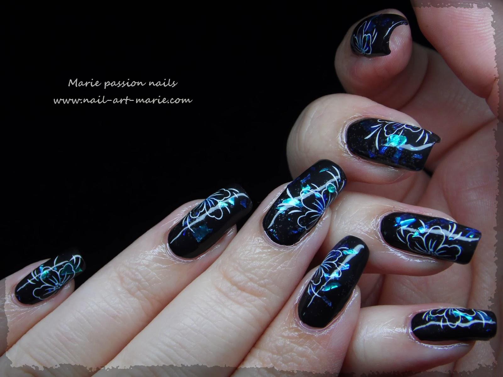Nail art fleurs de diamant2