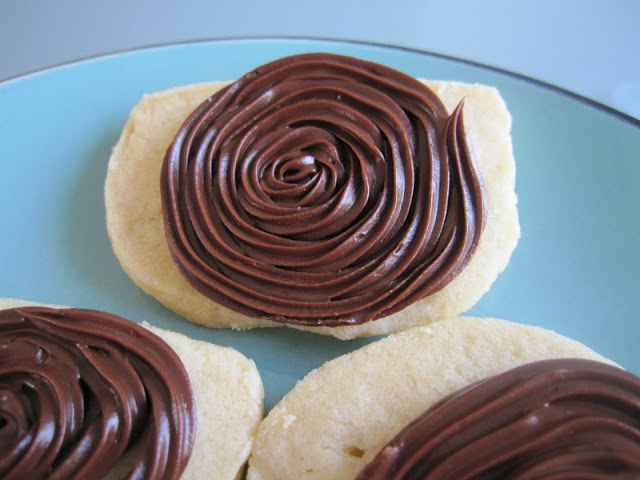 vanilla shortbread peanut butter chocolate frosting