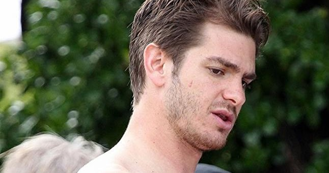 The Stars Come Out To Play: Andrew Garfield - Shirtless in