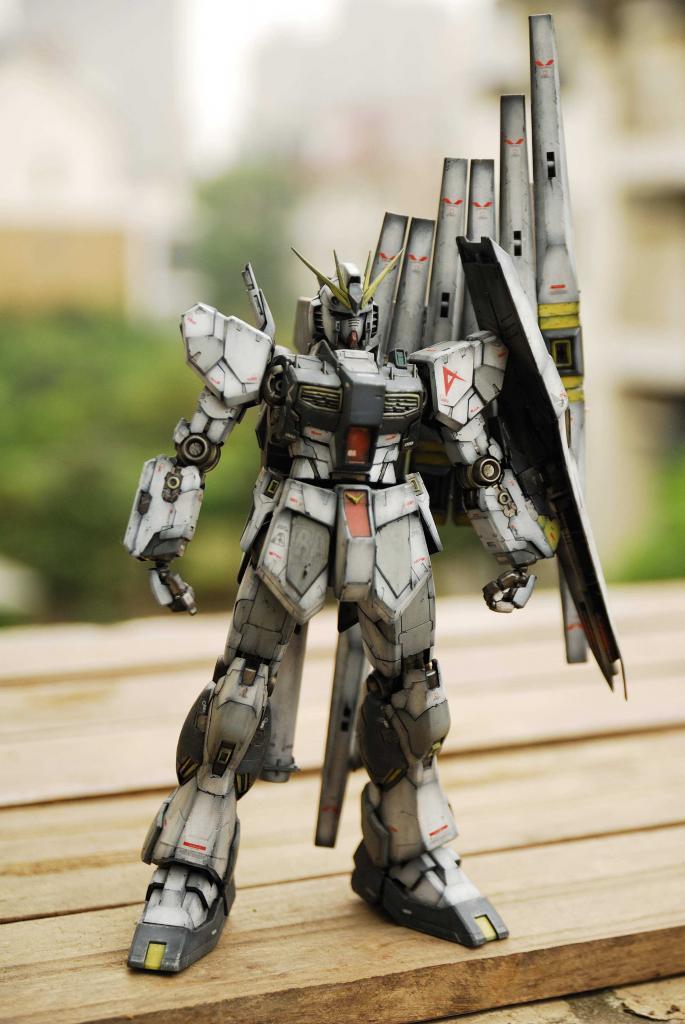 AFV Series 1/100 RX-93 Nu Gundam Ver.ka w/ Custom Hangar - Painted Build