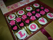 8 pcs Oreo with 14 pcs praline