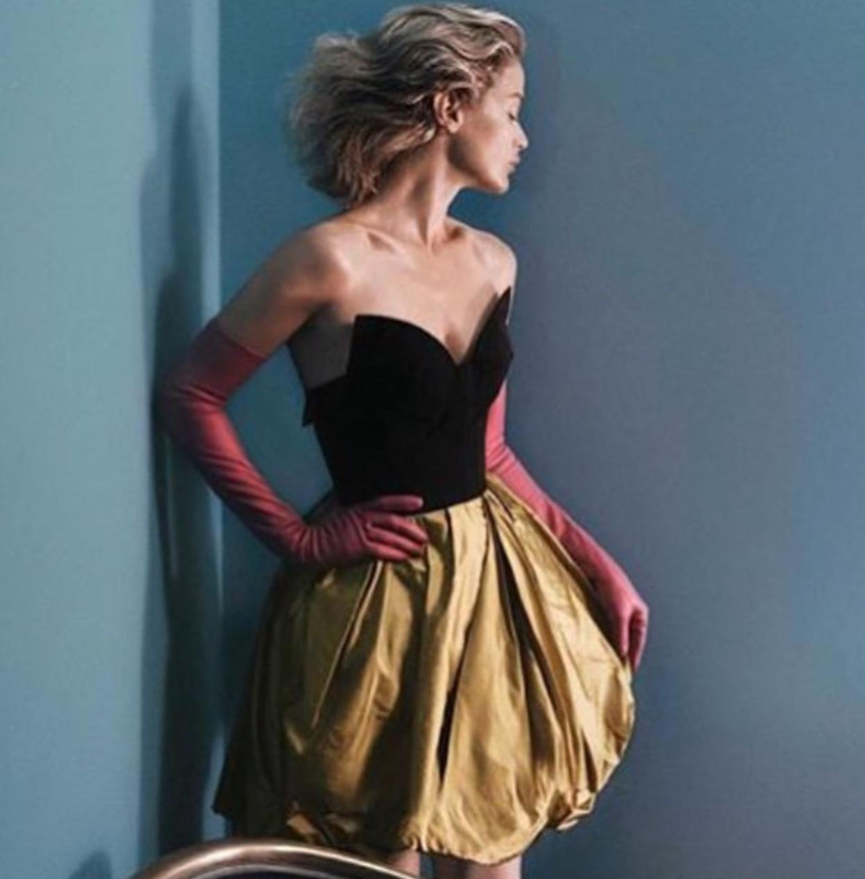 Carolyn Murphy in Oscar de la Renta Fall/Winter 2015 campaign (photography: David Sims, make-up: Diane Kendal) via fashioned by love / british fashion blog