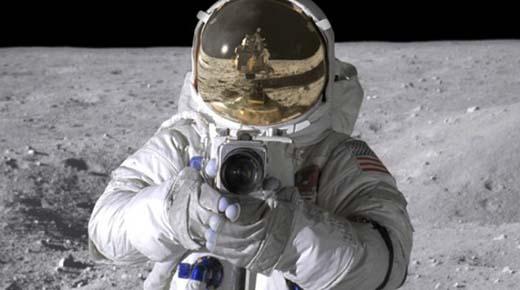 OVNIs descubierto en archivos de fotos de las misiones Apolo. ¿Estaban los alienígenas observando la Exploración Luna?