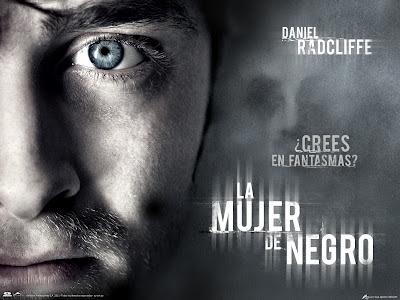 Póster pelicula La mujer de negro Daniel Radcliffe