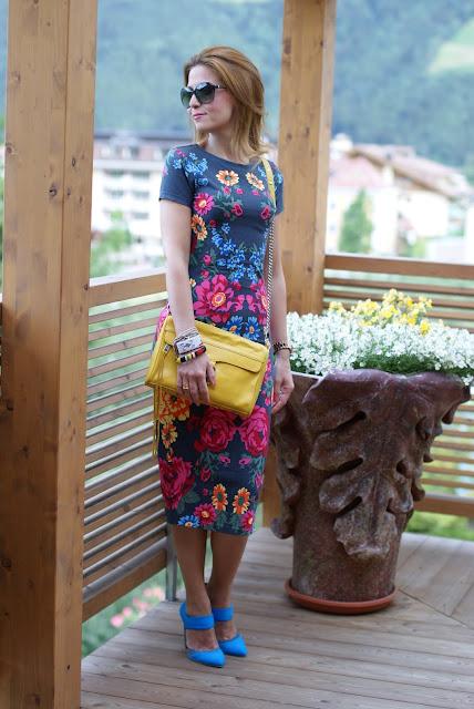 Asos bodycon dress, abito a fiori aderente Asos, MAC yellow bag, Fashion and Cookies