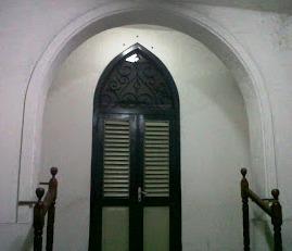 Pintu ini menuju ke....