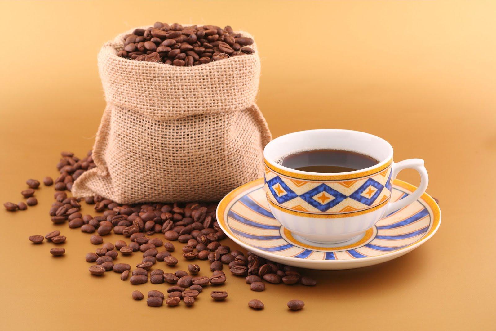 Taza de cafe 1600px for Tazas para cafe espresso