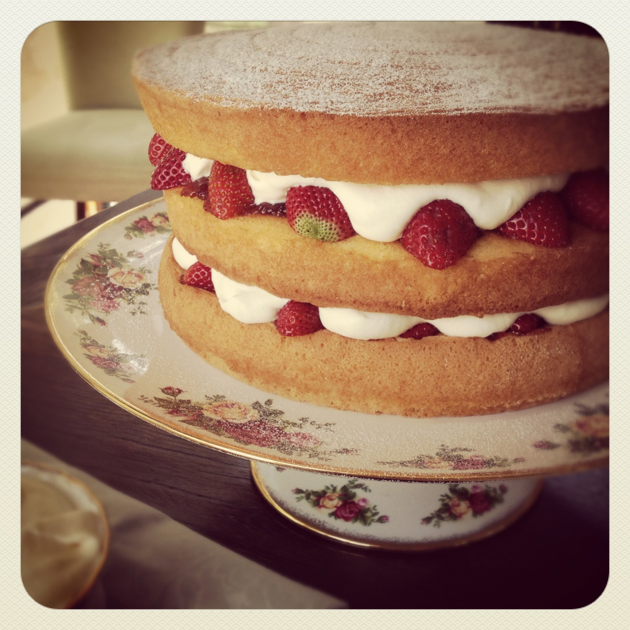 ... like this classic Queen Victoria Sponge. All haughty looking and rich