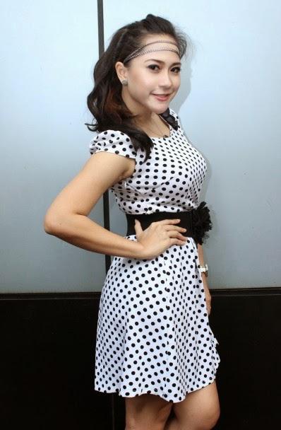 Image Result For Nabila Gomes Seksi Foto Dangdut Indonesia