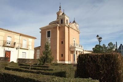 Iglesia junto a la Bodega del Real Cortijo. Blog Esteban Capdevila