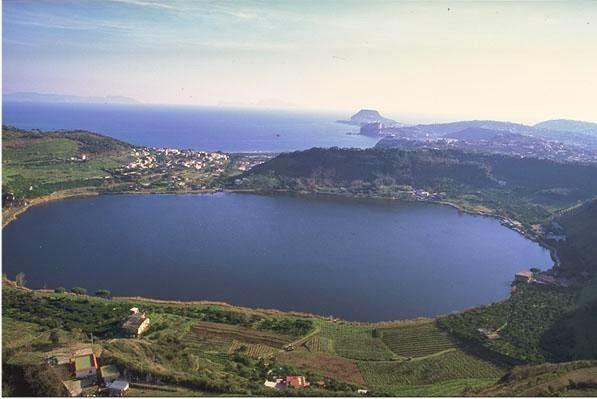 Averno e xibalba l 39 averno e xibalba for Lago lucrino