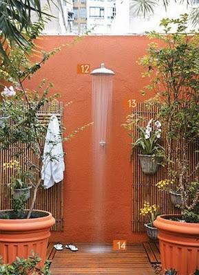 Achados dali e daqui chuveiro da piscina for Idea de pintura de corredor