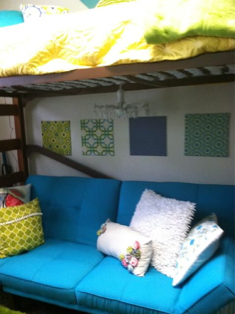 Decorating Ideas > The Old Post Road How To Decorate A Dorm Room ~ 041849_Nifty Dorm Room Ideas