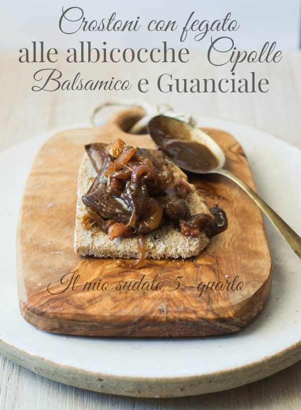 crostone con fegato alle albicocche, cipolle, balsamico e guanciale croccante