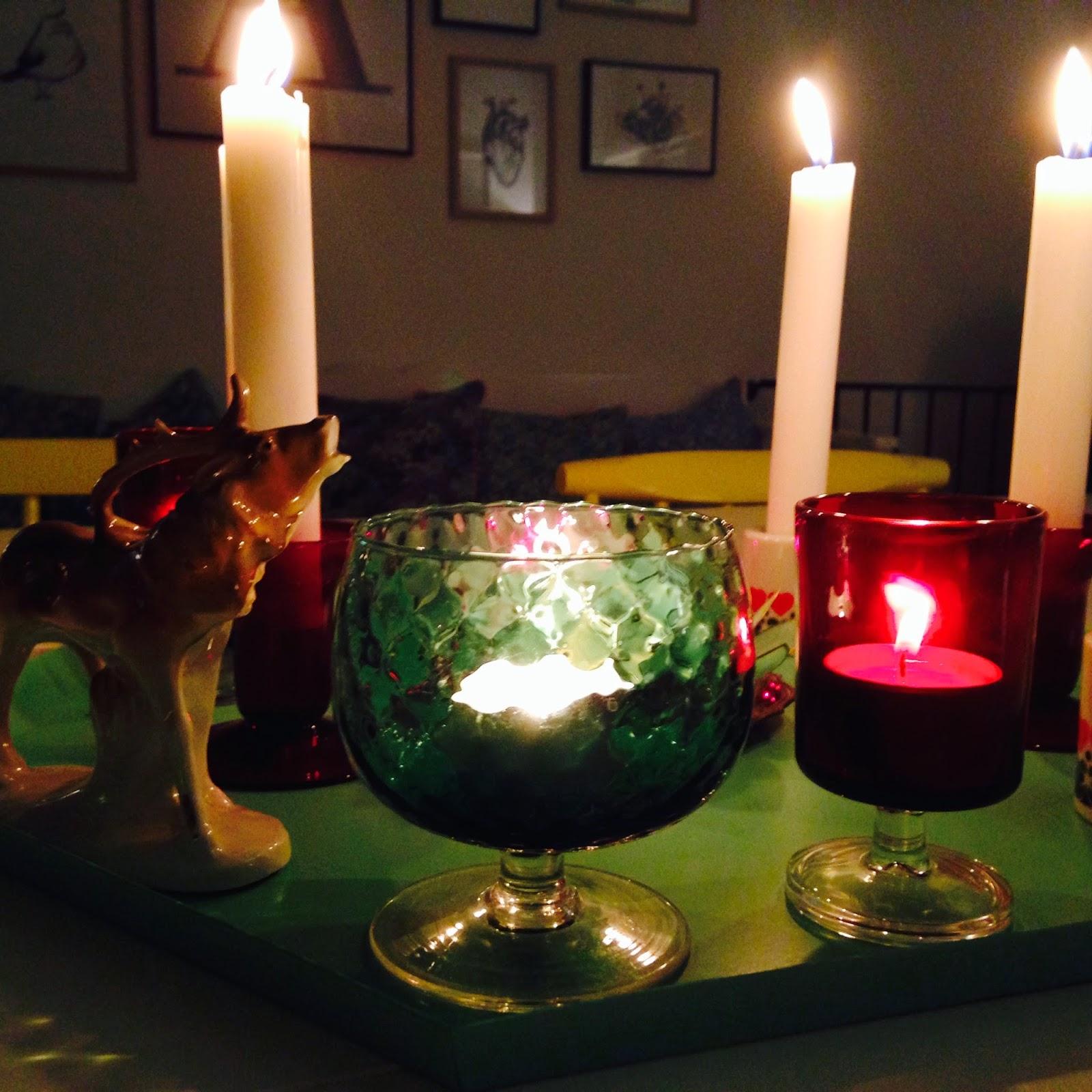 Hyggelig aftenstemning med stearin lys.