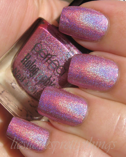 Perfect Holographic H5 swatch and review