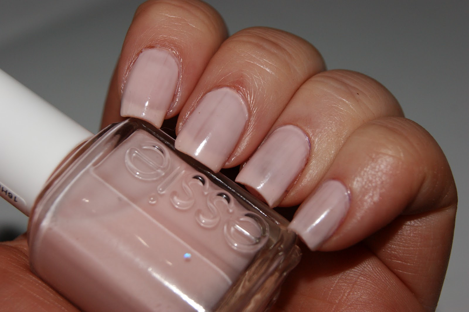 Essie Muchi Muchi Nail Lacquer - Review | The Sunday Girl