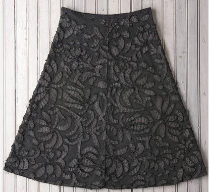 http://www.alabamachanin.com/diy-annas-garden-skirt