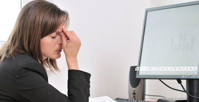 Tips Hindari Kerusakan Mata Karena Layar Komputer/Laptop