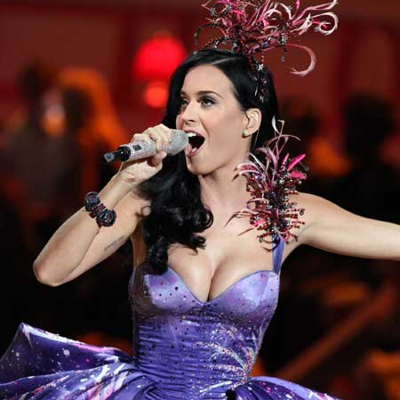 Hot Katy Perry Singing