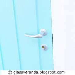 DIY: Male ytterdren til vren? - Painting the front door?