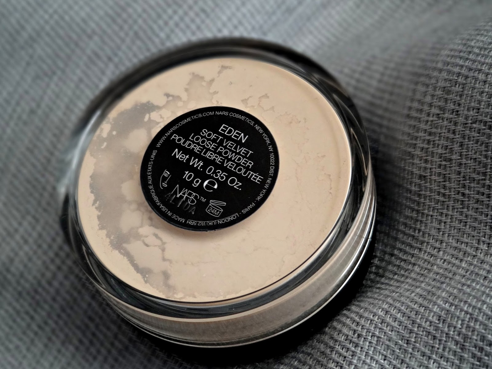 NARS Soft Velvet Loose Powder in Eden Review, Photos & Swatches