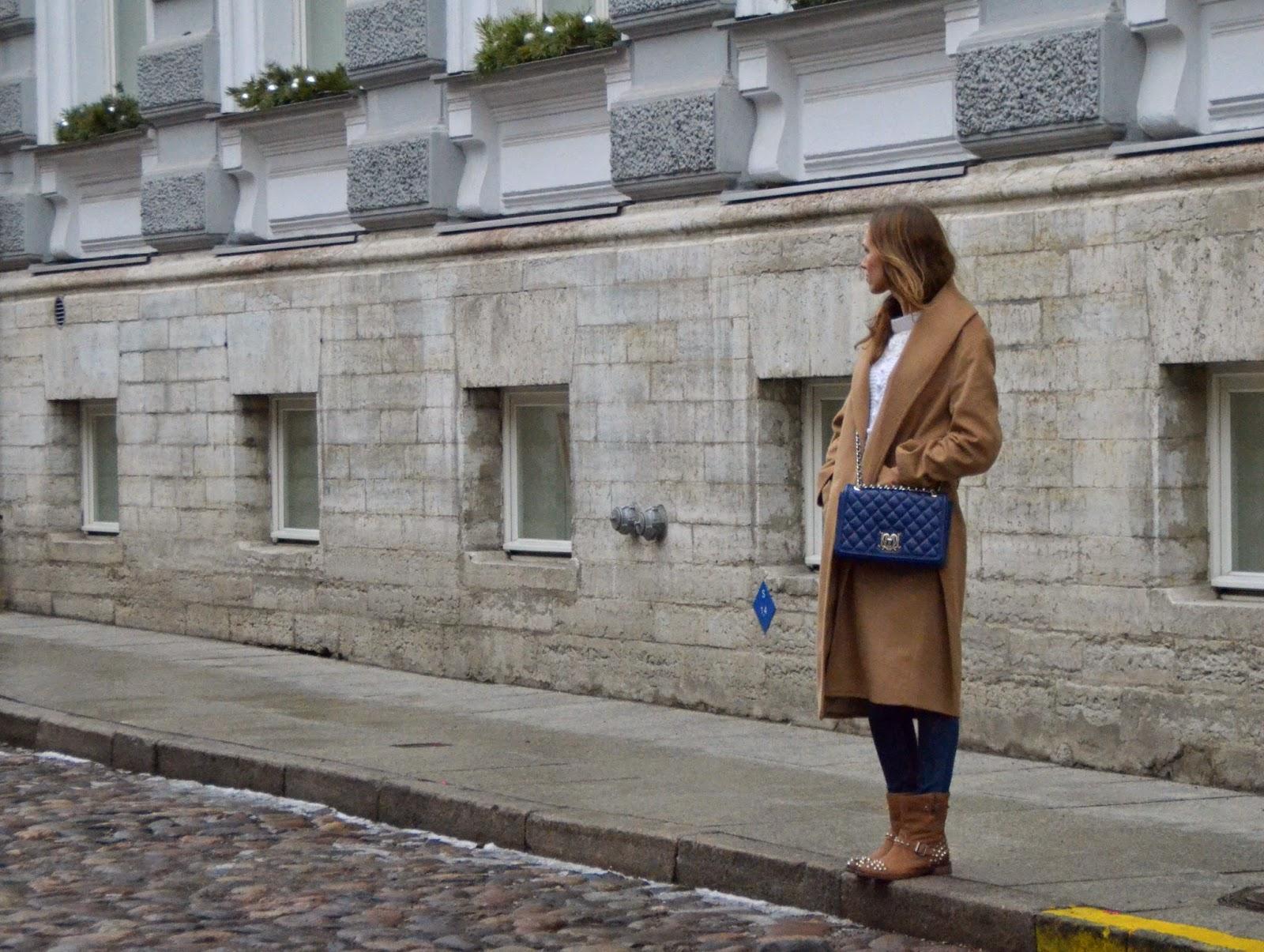 mango-camel-coat-chiara-ferragni-boots-guess-jeans-moschino-bag kristjaana mere