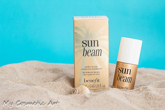 Iluminador dorado Sun Beam de Benefit.