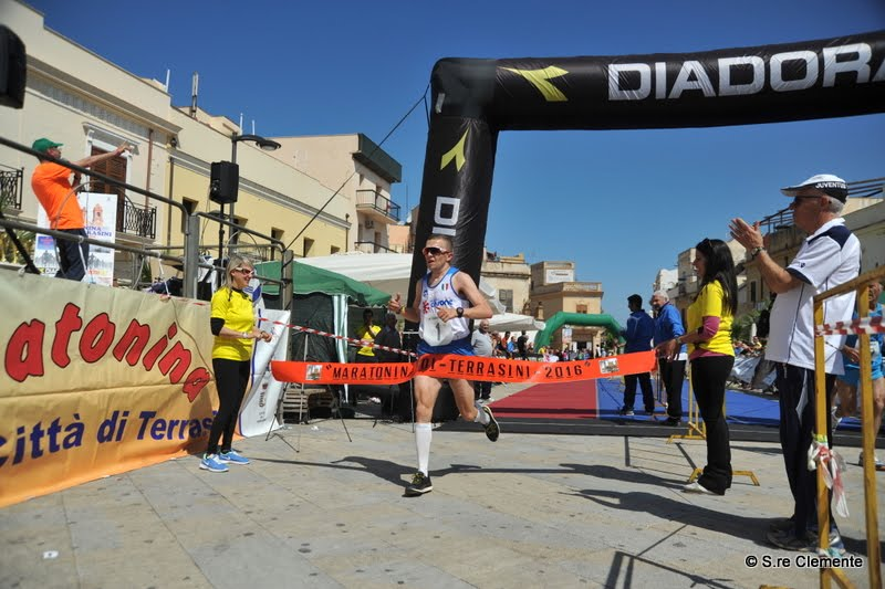 Carmine Buccilli vincitore XVI Maratonina 2016