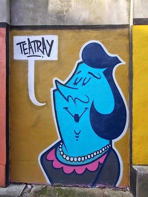 mural posh woman