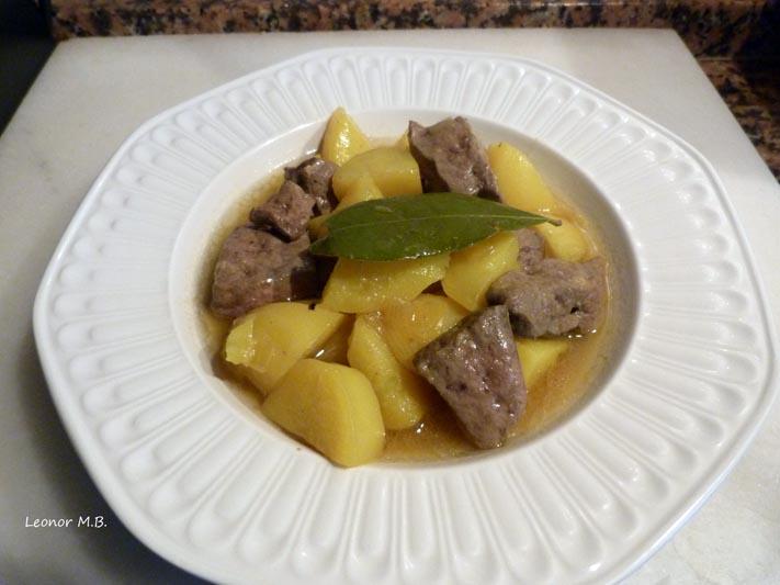 Miscel nea de leo patatas guisadas con h gado for Cocinar higado de ternera