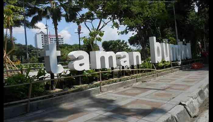 Tempat Wisata Di Surabaya Yang Murah dan Yang Gratis - Taman BUngkul
