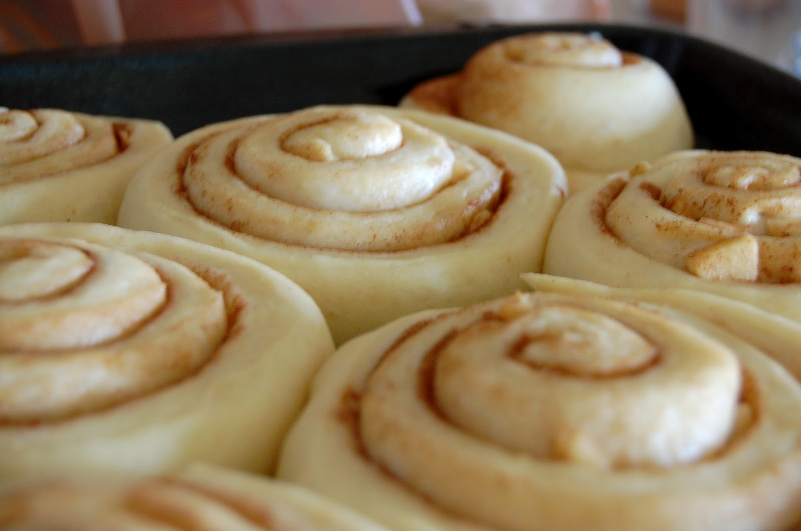 how to make apple cinnamon rolls